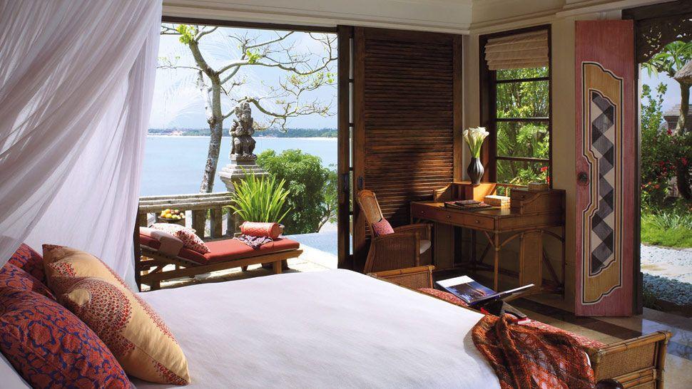 003493-03-villa-bedroom-oceanview