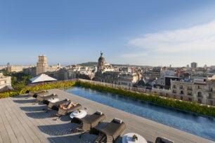 Mandarin-Oriental-Barcelona-Terrat-Rooftop-Dipping-Pool
