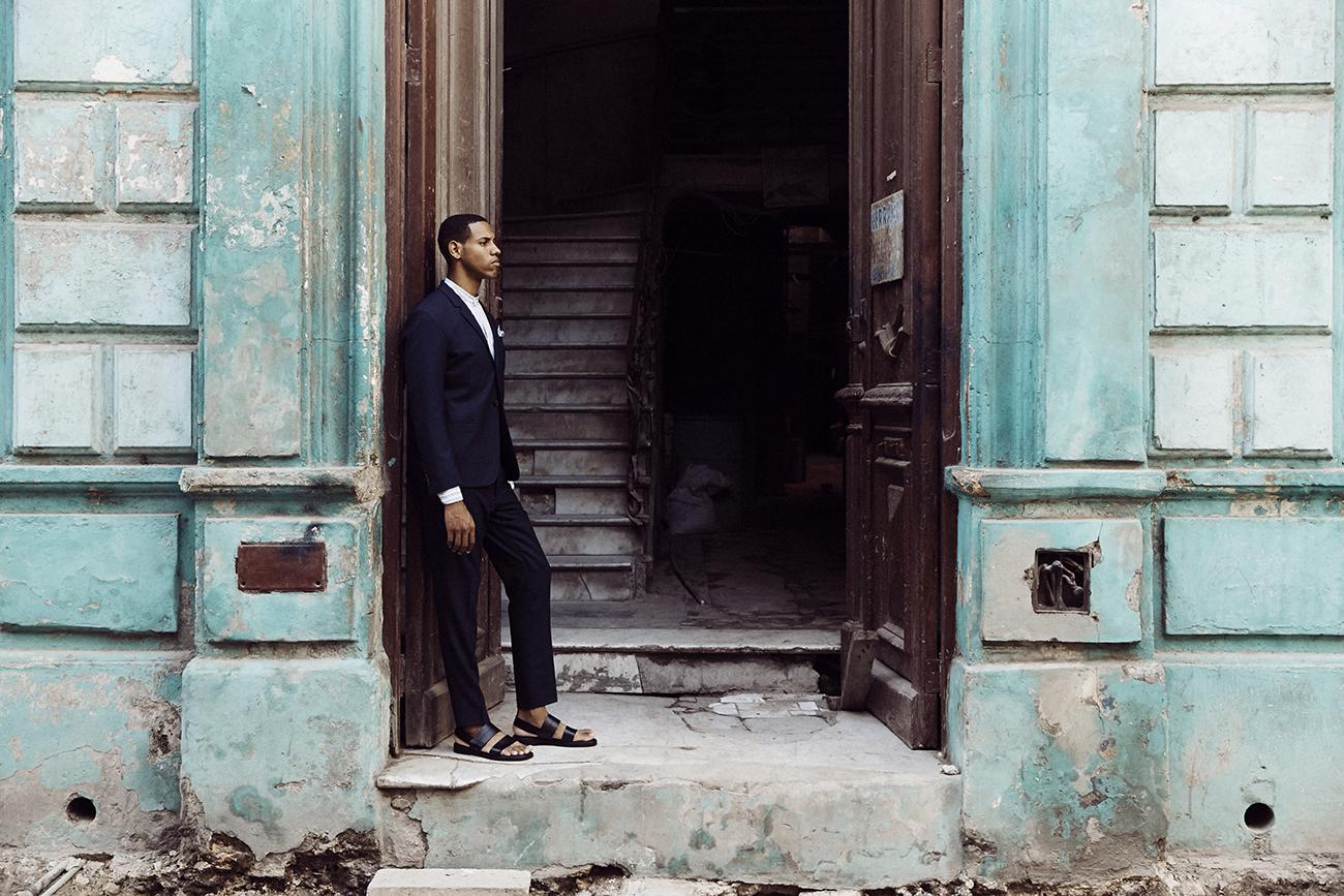 cuba-blue-suit